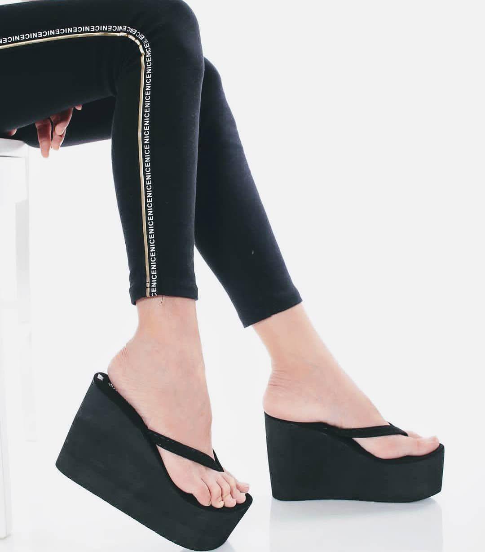Sexystep Shoematic On Instagram Omaigod Cantiknyaaa Sisturrr Terletak Helokk Kat Kaki U Olls Platform Flip Flops Wedge Flip Flops Kat