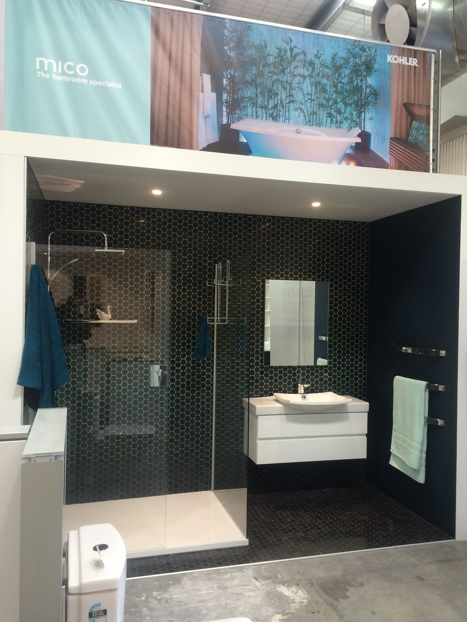 Hex tiles with ombré grout  www.town-country.co.nz
