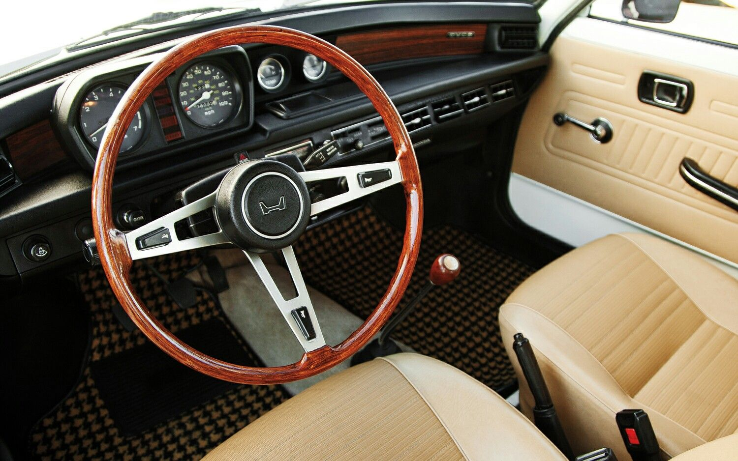 1973 Honda Civic Interior