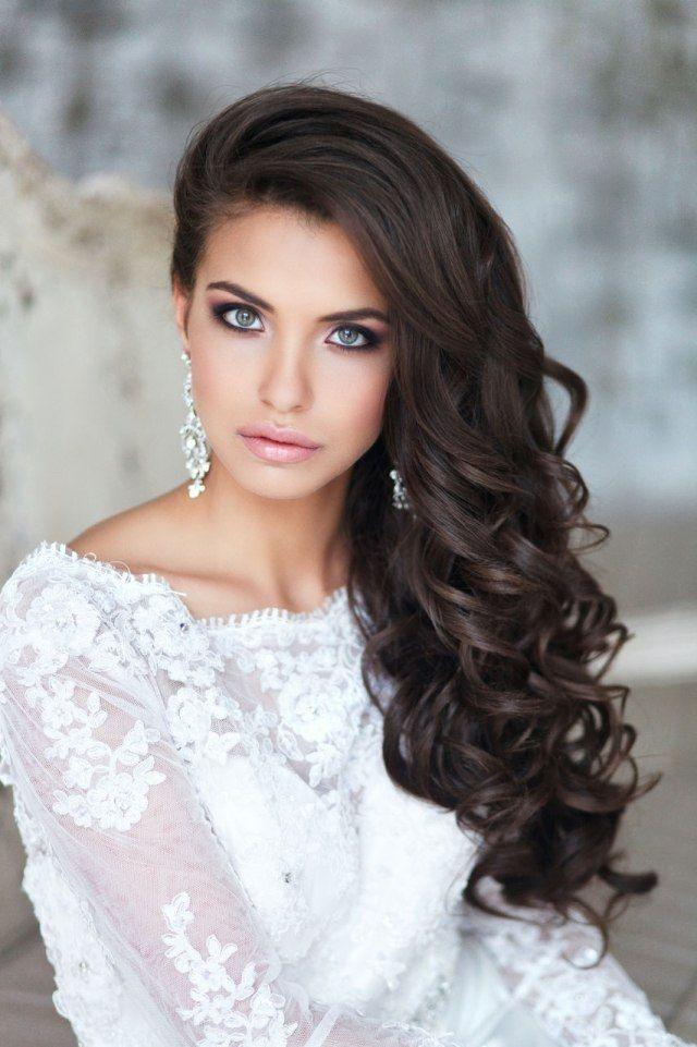 Haare Gelockt Oder Gewellt Offen Seitlich Getragen Brautfrisur