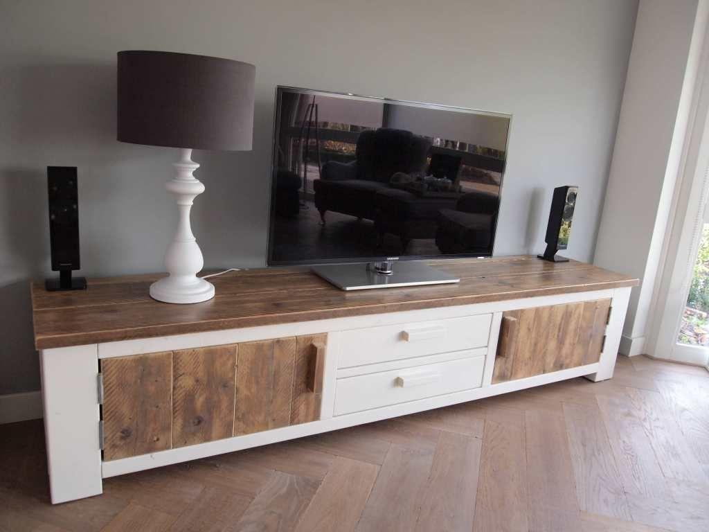 Prachtig Tv Meubel.Prachtig Tv Meubel Van Steigerhout In Het Wit Met Steigerhouten
