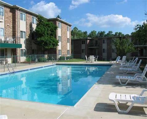 Blue Grass Apartments In Erlanger Kentucky 1 2 Bedroom Homes Close To Downtown Cincinnati Http Www Bluegrassapts Com Downtown Cincinnati Manor Kentucky