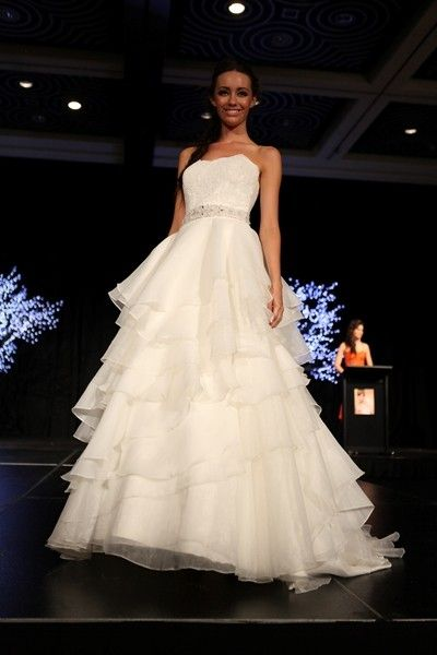 Beautiful Wedding Dress showcased at the Perth Bride Exhibition 2013 ...