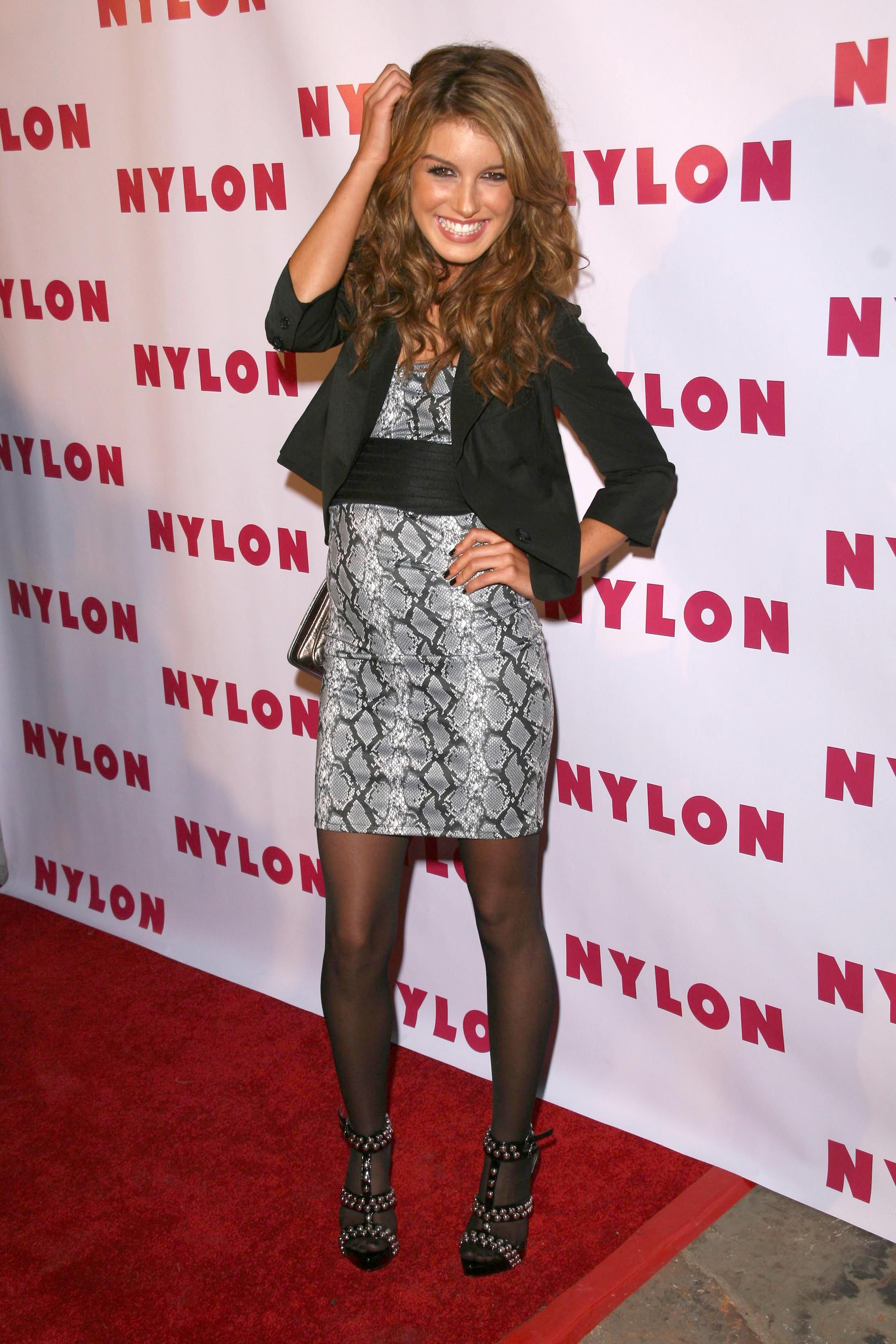 Pin On Celebrities In Tights M Z