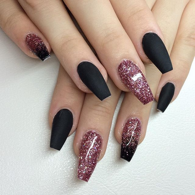 Pin By Victoria Curry On Pretty Stuff In 2020 Black Nails With Glitter Pink Black Nails Matte Black Nails