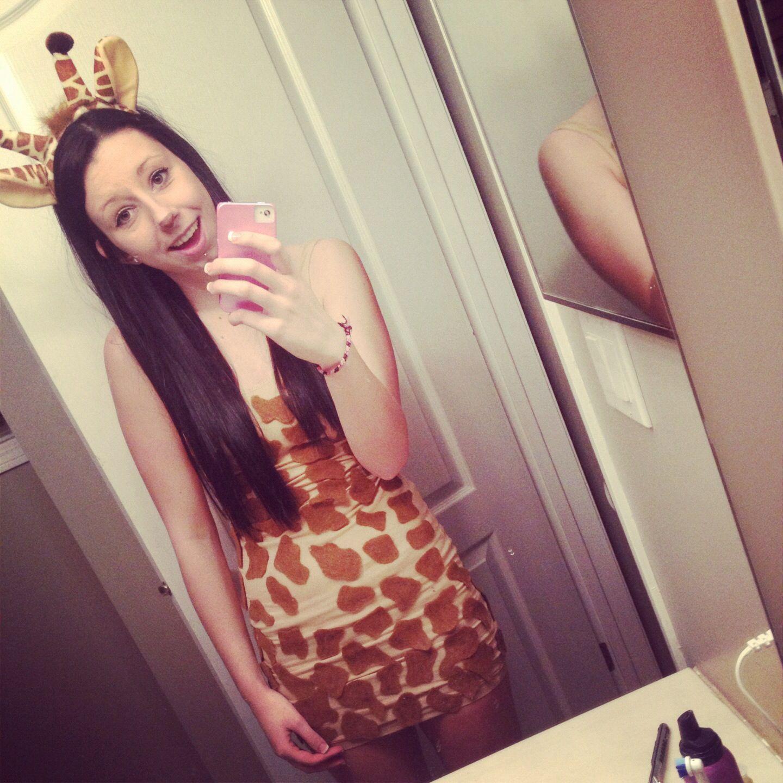 Giraffe costume dress with put on spots (just felt and fabric glue) #giraffecostumediy Giraffe costume dress with put on spots (just felt and fabric glue) #giraffecostumediy Giraffe costume dress with put on spots (just felt and fabric glue) #giraffecostumediy Giraffe costume dress with put on spots (just felt and fabric glue) #giraffecostumediy