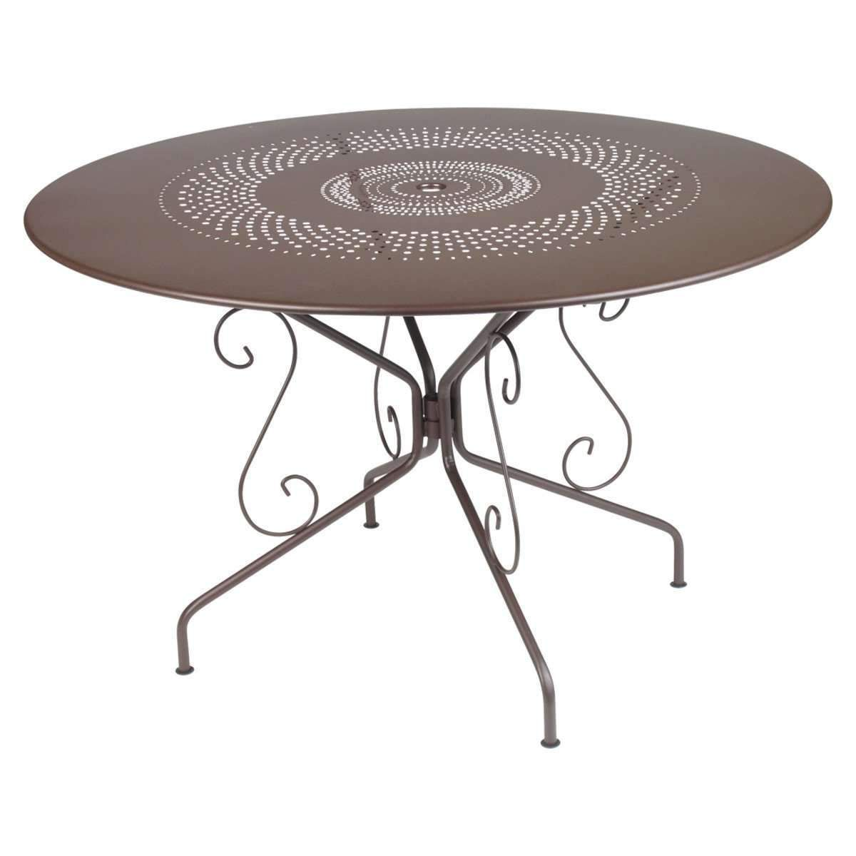 Fermob Montmarte 46 Round Table General More And More Young Garden Beginners Discover Their Own Vegetab In 2020 Steel Dining Table Metal Garden Table Garden Table