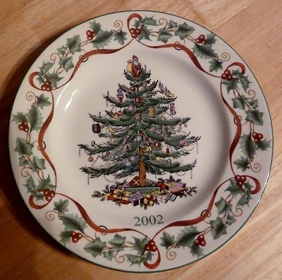 Spode Christmas Plates.2002 Spode Christmas Tree Annual Collector Plate Dishes