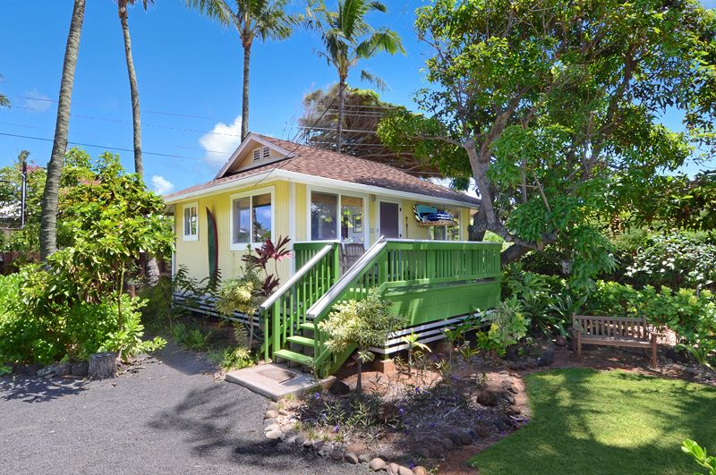 two tropical kauai vacation cottages in a garden setting with easy rh pinterest com cottages in hawaii for sale cottages in hawaii for sale