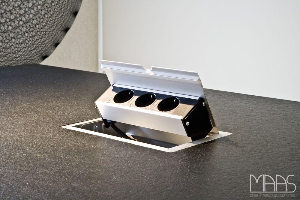 Versenkbare Steckdosen In Einer Granit Nero Assoluto Arbeitsplatte Eingebaut Http Www Arbeitsplatten Deutschland Com Blog Arbeitsplatten Shoe Rack Home Rack