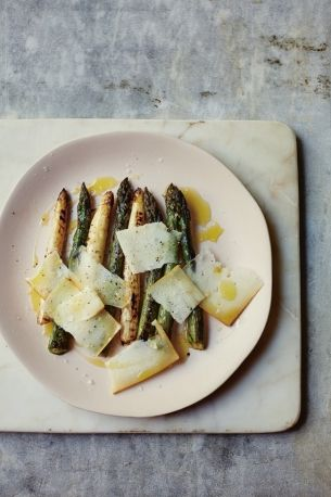 Recipe grilled green white asparagus with idiazbal smoked cheese recipe grilled green white asparagus with idiazbal smoked cheese a recipe from jos forumfinder Images