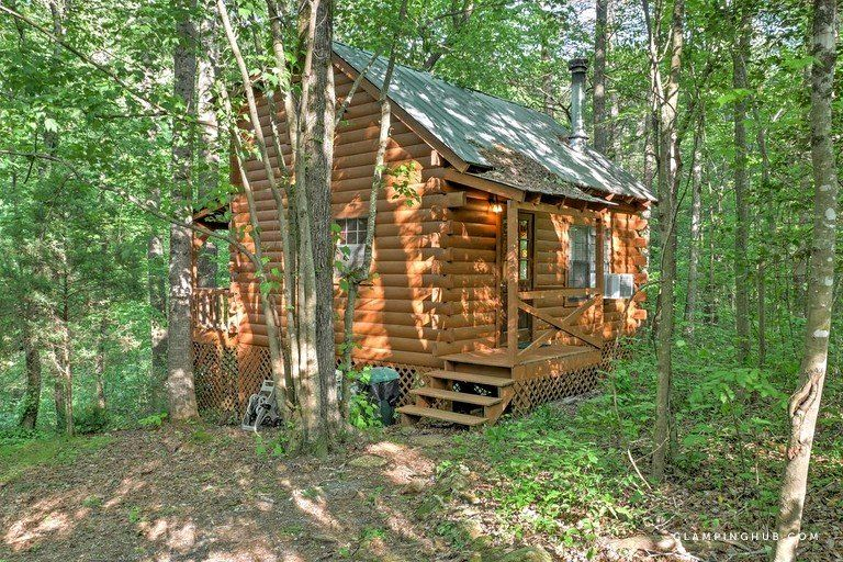 Romantic Woodland Log Cabin With A Wood Burning Stove In Ellijay