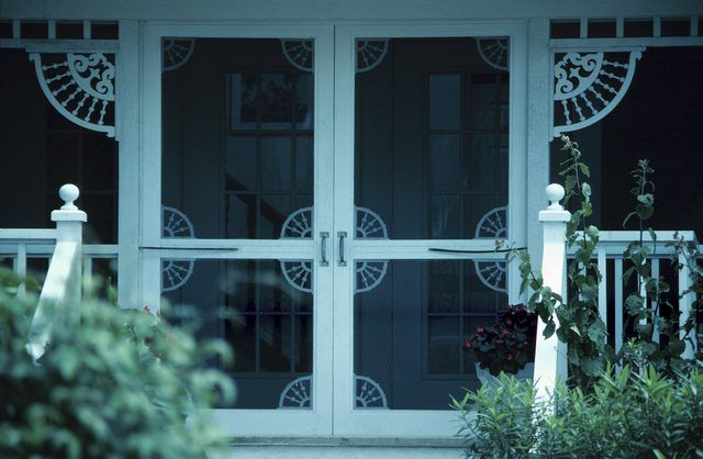 How To Winterize A Screened Porch With Vinyl Screened In Porch Screened Porch Sleeping Porch