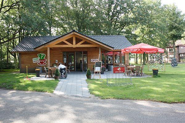 Soep van de week en lunchgerecht naar keuze van de kaart voor €7,50 bij Theehuis T-Berg, prachtig gelegen in het hart van de Gooise bossen en heidevelden, in Huizen.