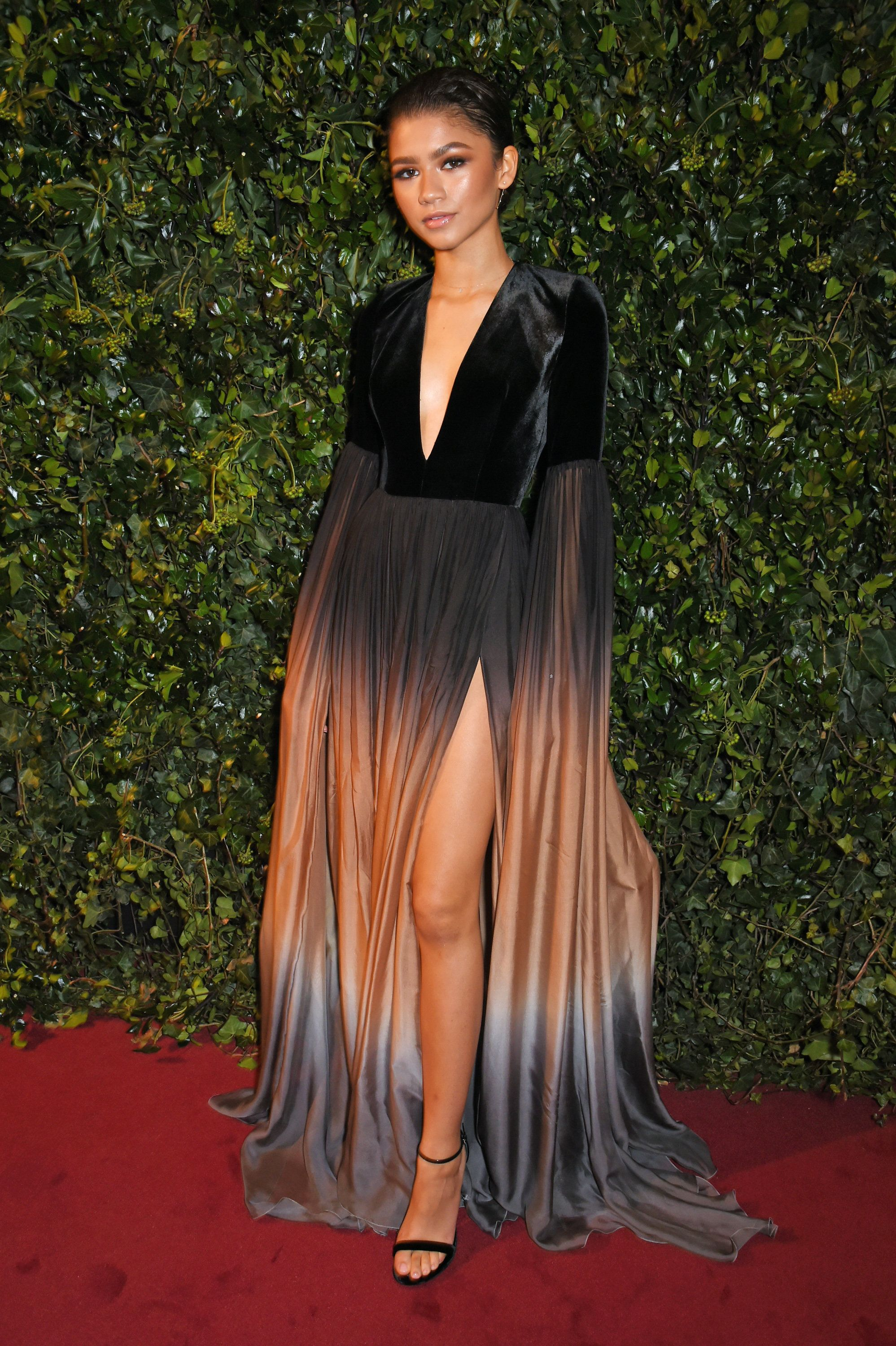 Zenslaya 10 Times Zendaya Set The Red Carpet On Fire Zendaya Outfits Zendaya Dress Zendaya Style