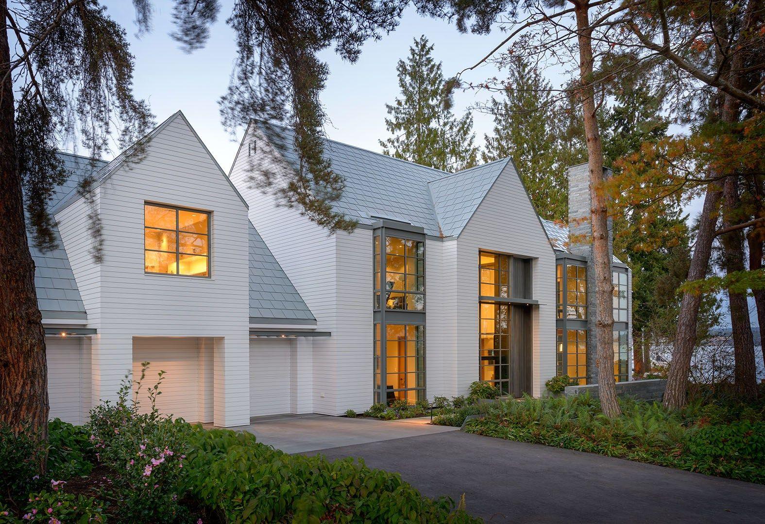 Lakefront House A contemporary interpretation of the Shingle Style ...