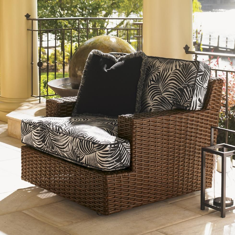 Natural Look Of All Weathered Wicker Outdoor Swivel Lounge Chair