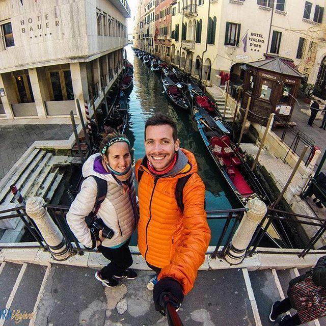 ... Pero lo más lindo de Venecia esta vez, es que fui con él 😍 #NicoyMaruXeuropa #Italia #venezia #Venecia #italy #venice #Europa #europe #viajar #viajeros #mochileros #viajes #instatravel #instapic #instaphoto #mochilerosarg #travel #travelling #traveler #backpackers #backpackingeurope #travelbloggers #storyteller #iamtb #amor #love #instalove #lovers