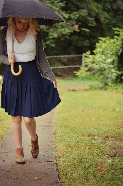 High waisted vintage skirt, ankle boots, umbrella, rainy day outfit