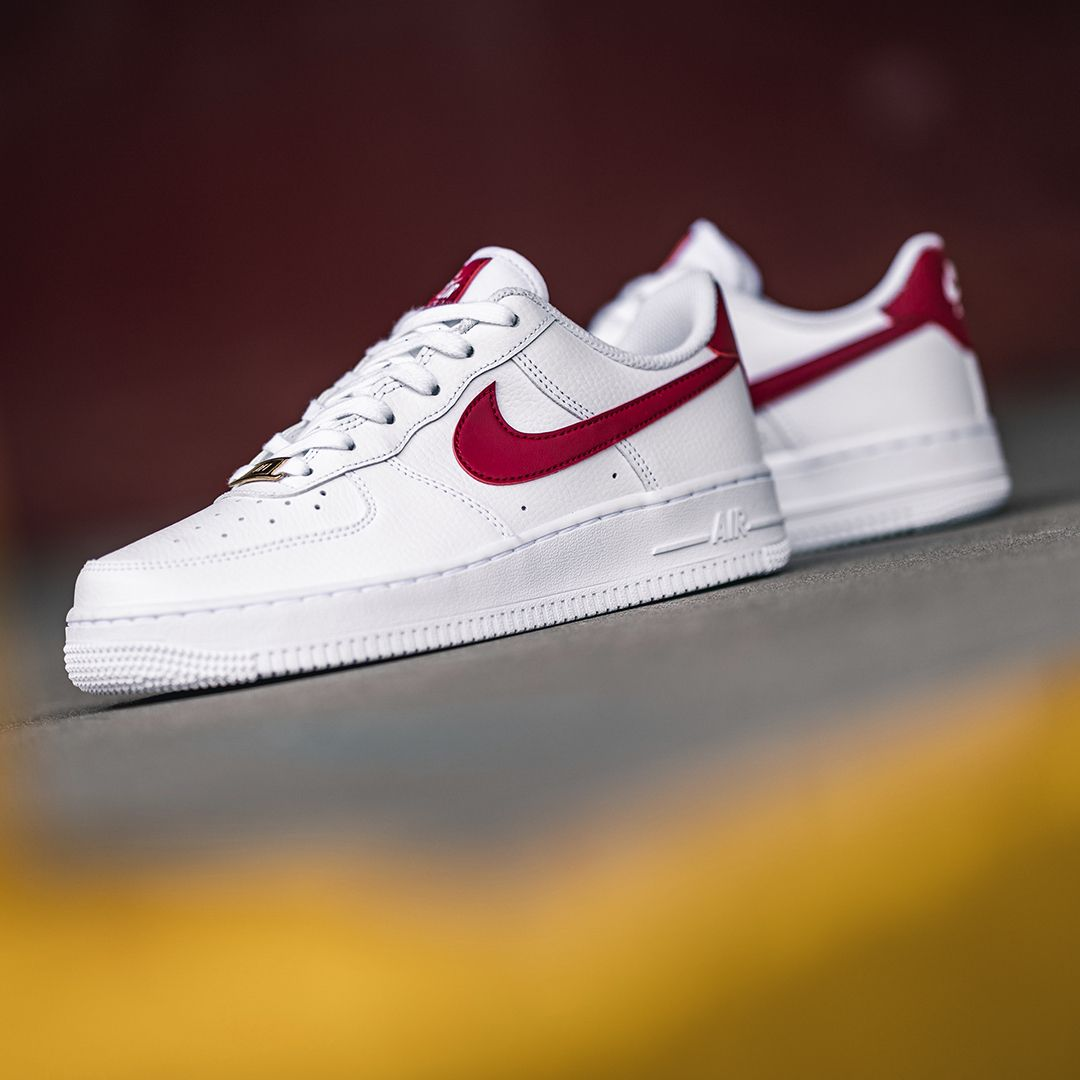 Nike WMNS Air Force 1 07 in 2020 | Nike air force, Nike wmns