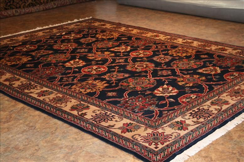 105 Indo Persian Rugs This Traditional Rug Is Roximately In Size And Made Of Wool Weave Hand Knotted India
