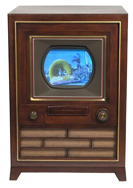 1953 The First Color Television Set Hit The Market With A Price Tag Of 1 175 Color Television Television Set Vintage Television
