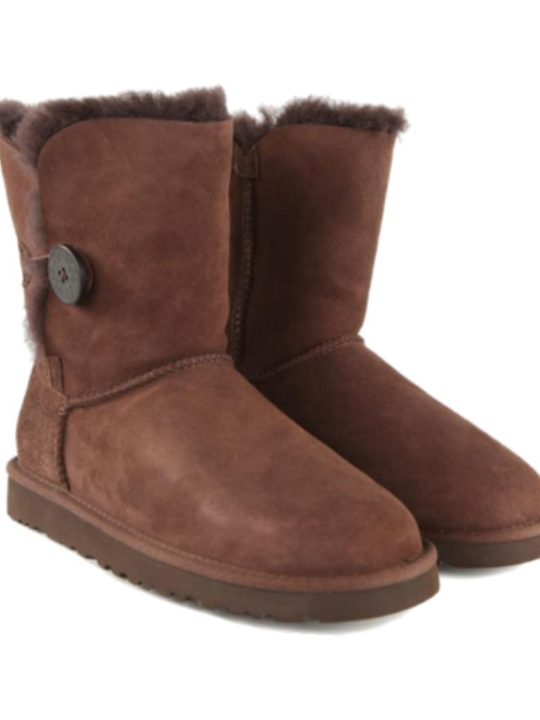 dark brown uggs
