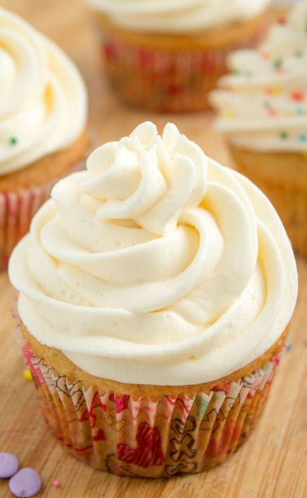 Vanilla Cupcakes by Gal on a Mission