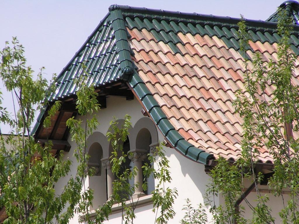 TB-12 Centenaria Ground roof tile