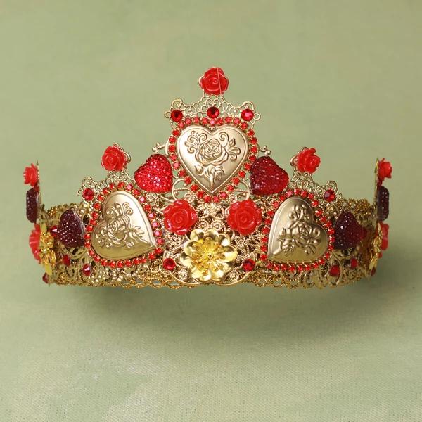 amorett queen of hearts crown baroque hearts drown