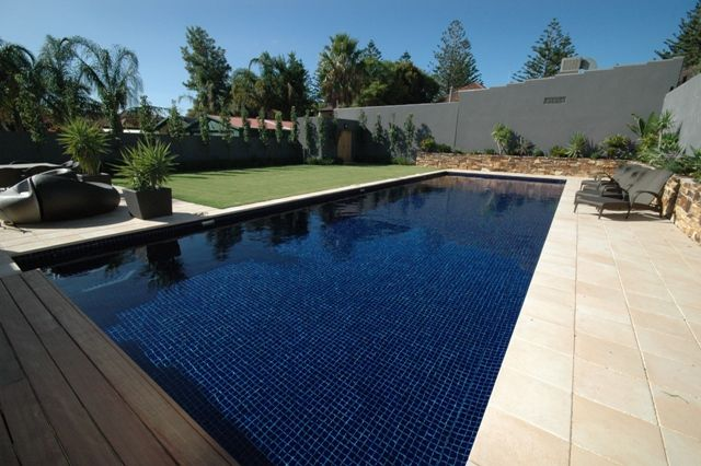 Pool tile design gallery home decorating for small for Pool tile pictures