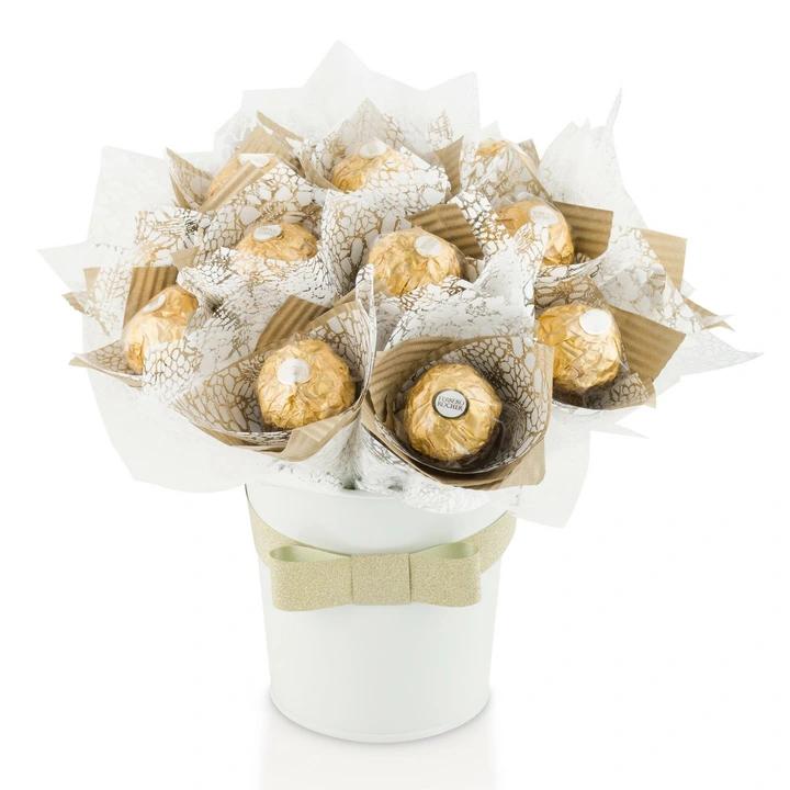 Prezent Na Dzien Babci Dziadka Slodki Bukiet 7766177828 Allegro Pl In 2021 Presents Florist Flowers