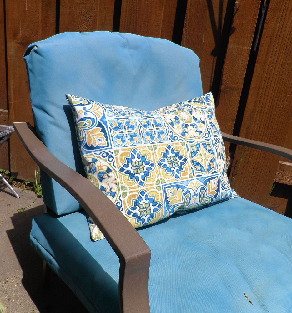 Velcro To The Rescue No More Outdoor Cushions Blowing Away Outdoor Cushions Lawn Furniture Cushions Patio Pillows