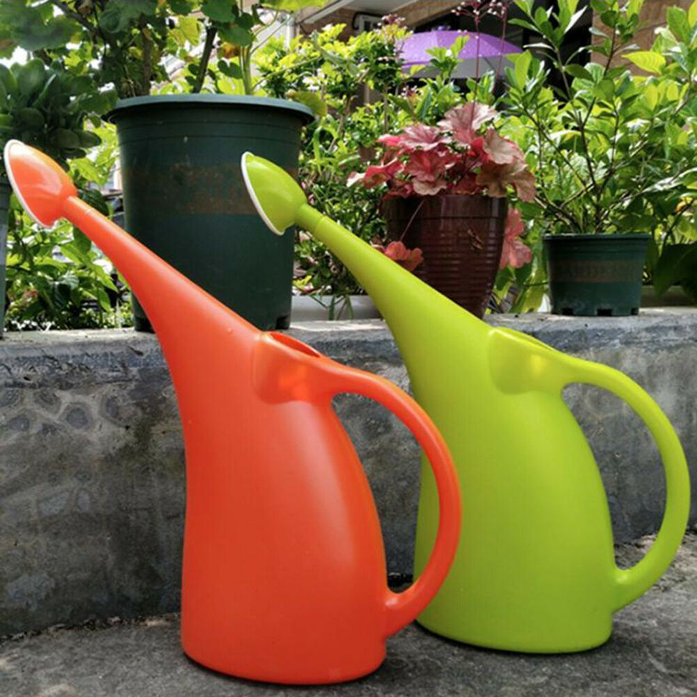 Large capacity long mouth plastic garden watering can
