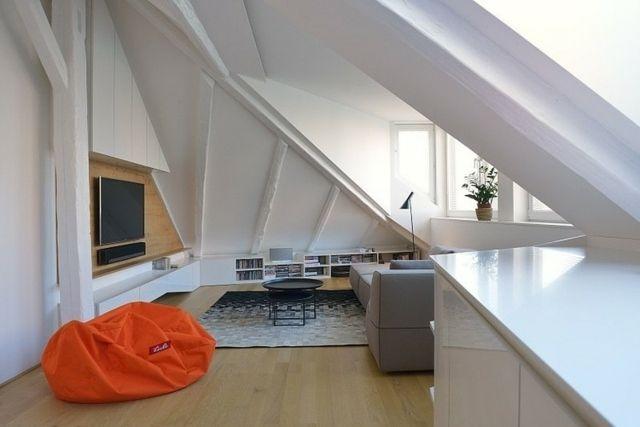 wohnung dachschr ge einrichten wohnzimmer dachgeschoss ideen pinterest dachschr ge. Black Bedroom Furniture Sets. Home Design Ideas