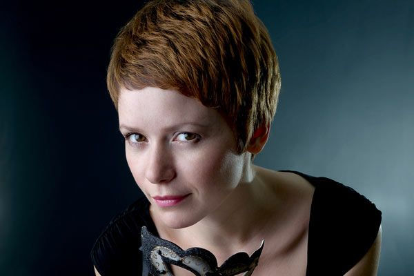 Pixie Haircut Styles For Thick Hair: Thick Hair Adds Lots Of Texture To This Pixie Cut.