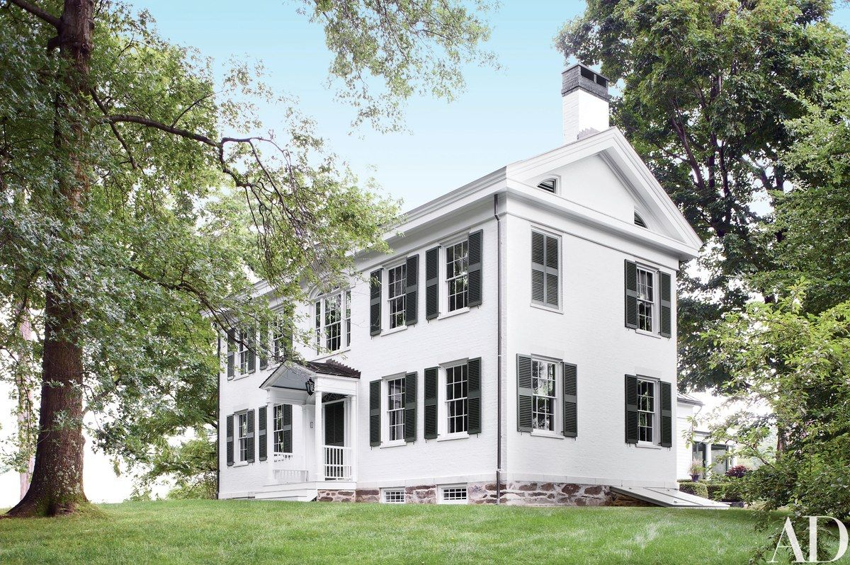 Tour Bruce Shostak S Federal Style Home Architectural Digest Federal Style House White Exterior Paint Traditional Exterior