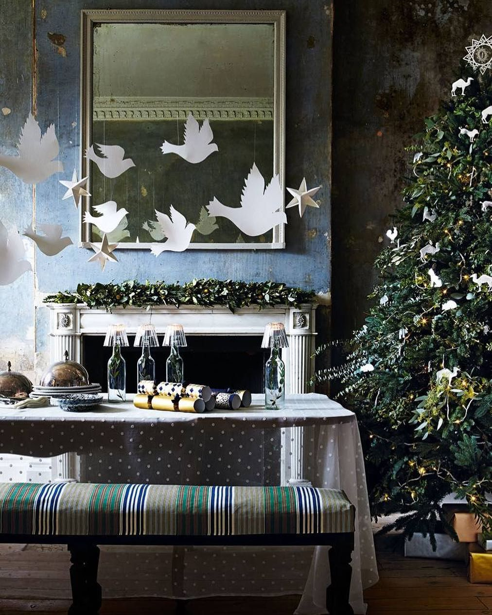 b325f1d8adbd3 The festive season is upon us, and here at @houseandgardenuk our thoughts  naturally turn