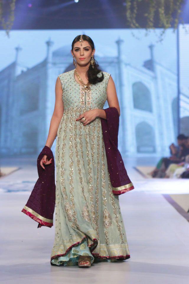 Indian & Pakistani Latest Fashion of Top Designer Fancy Party wear ...