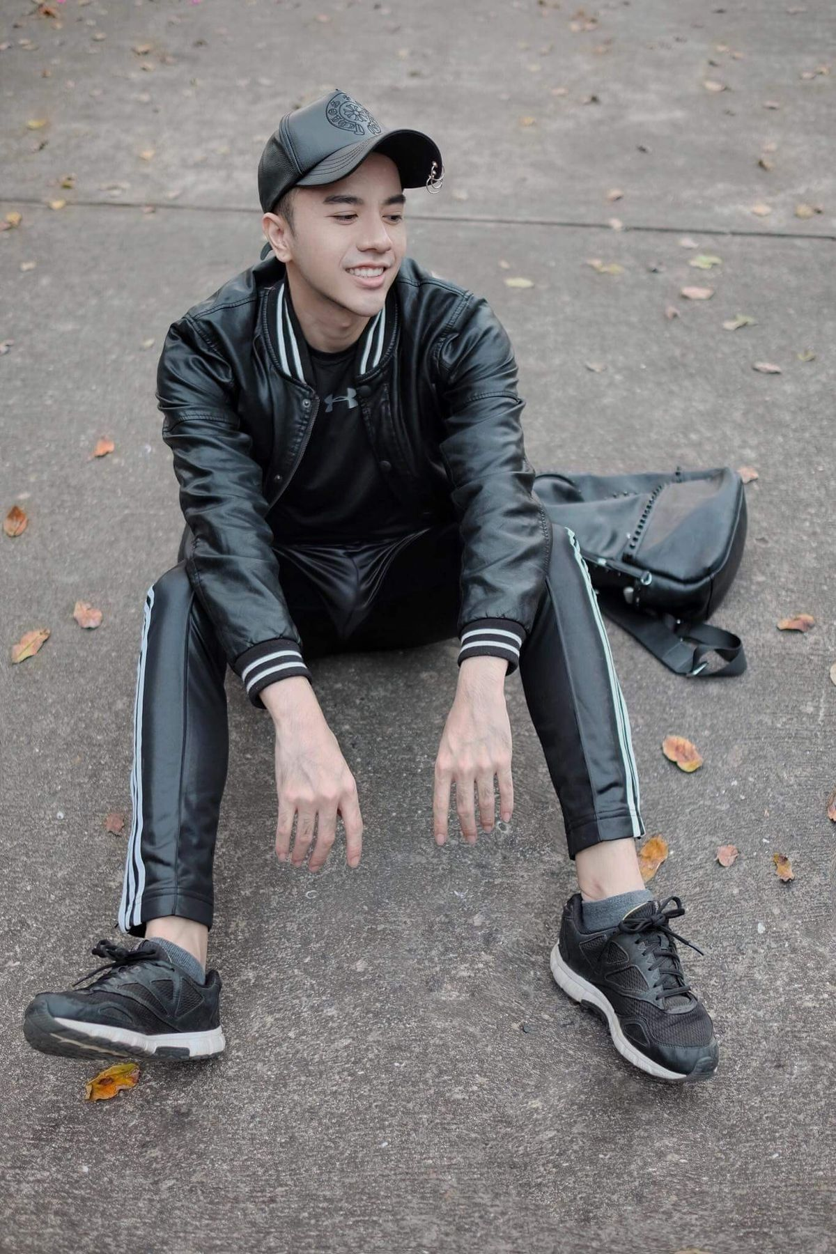 gay male leather clothing