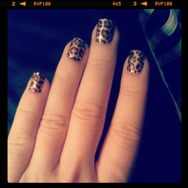 "I am wearing ""Kitty, Kitty"" by Sally Hansen Salon Effects."