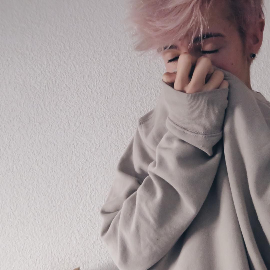 Pink haired boy pink hair pastel hair cute boys androgynous