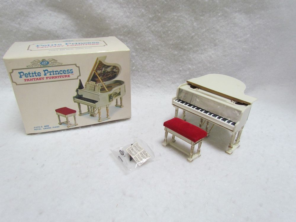 US $14.99 New in Dolls & Bears, Dollhouse Miniatures, Furniture & Room Items