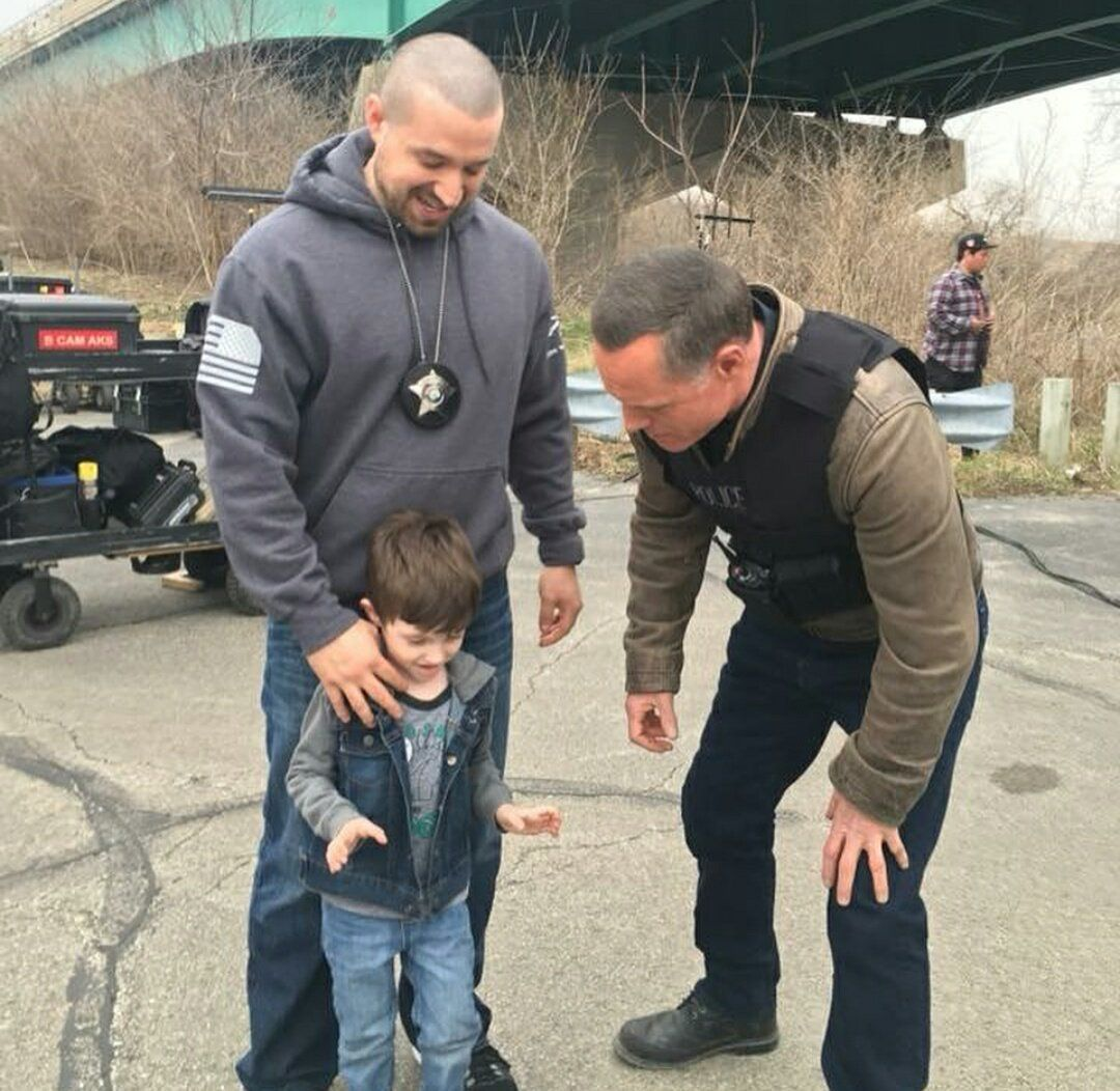 (6) Twitter Chicago pd cast, Chicago pd, Chicago shows
