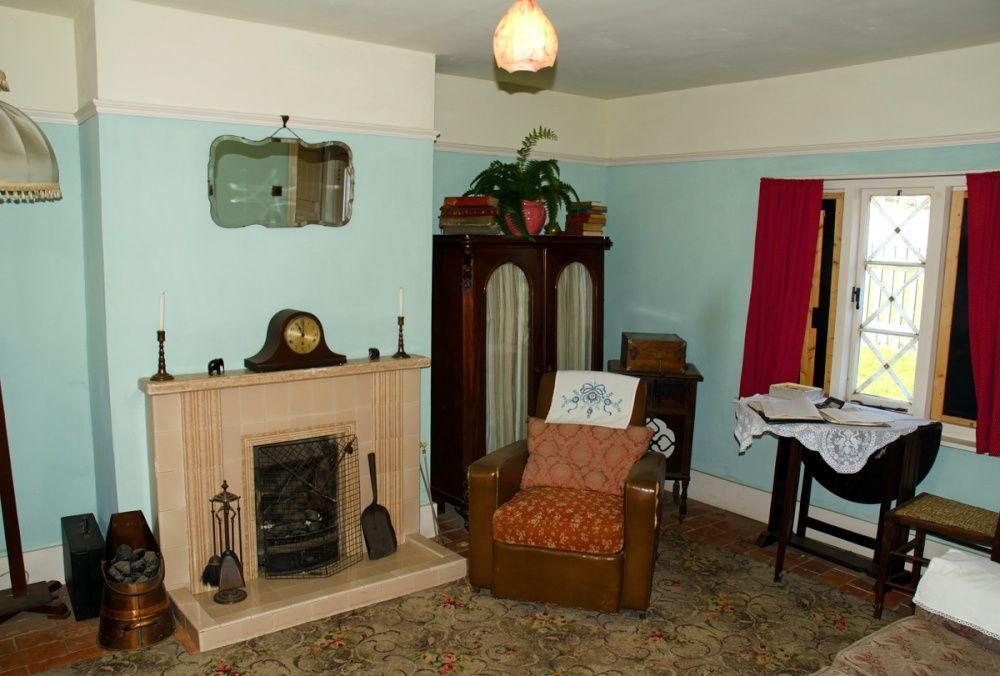 1940's Kent Indoor Living Room