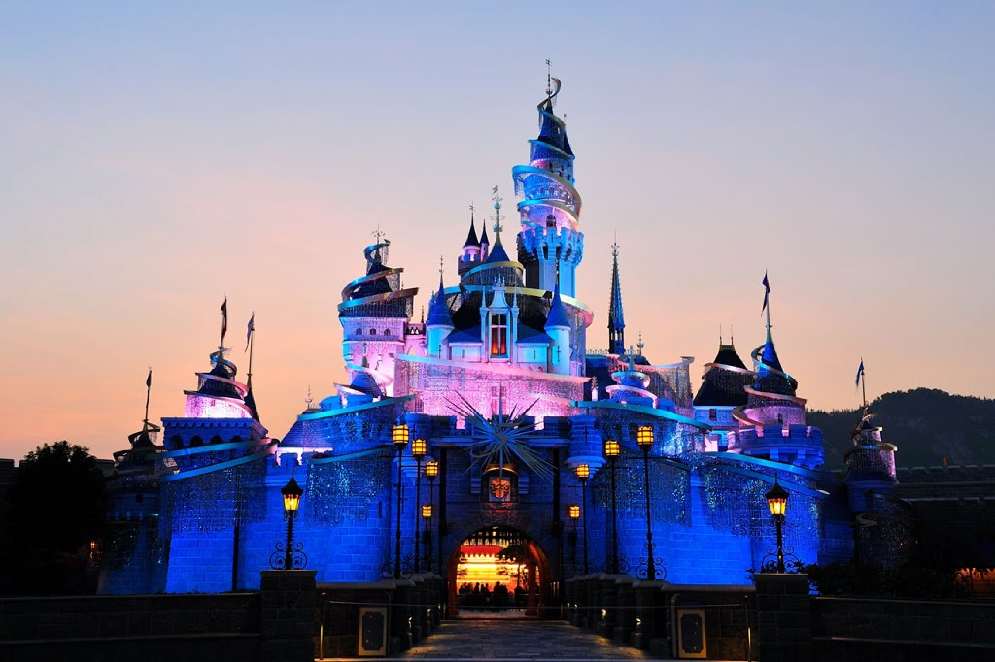 Mesmerizing Hong Kong Disneyland Hd Wallpapers Backgrounds And