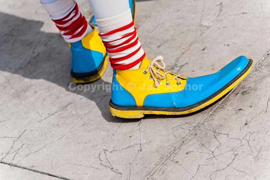 """Résultat de recherche d'images pour """"clowns shoes"""""""