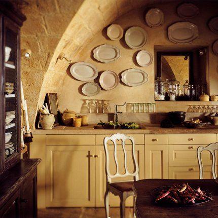 Dans la cuisine située dans lu0027ancienne cave, on a profité de la