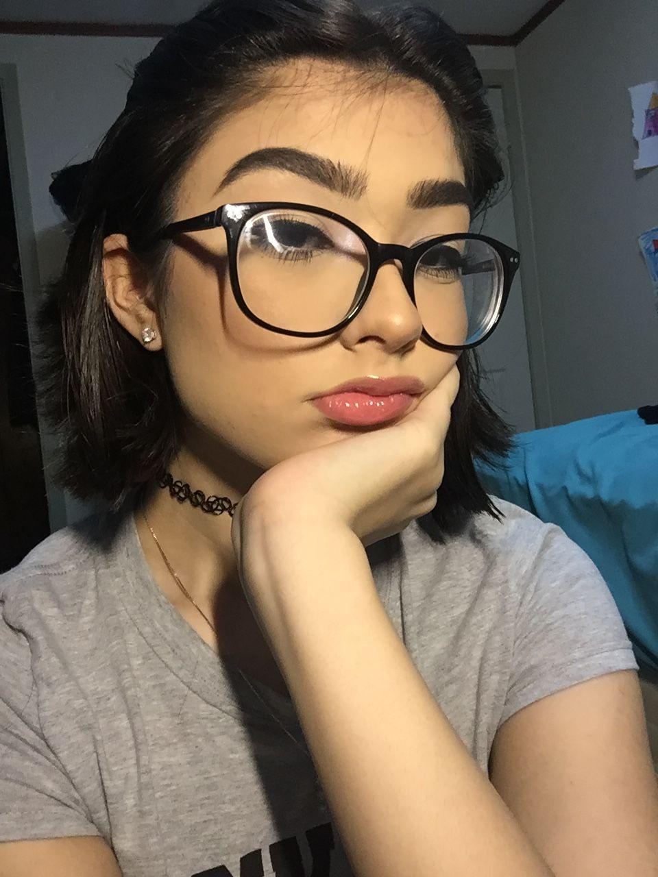 Glasses Girlswithglasses Em 2020 Garotas Tumblr Rosto Oculos
