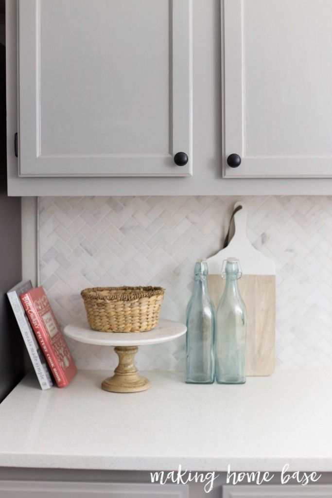 Gray and White Kitchen Makeover | Cerámica y Cocinas